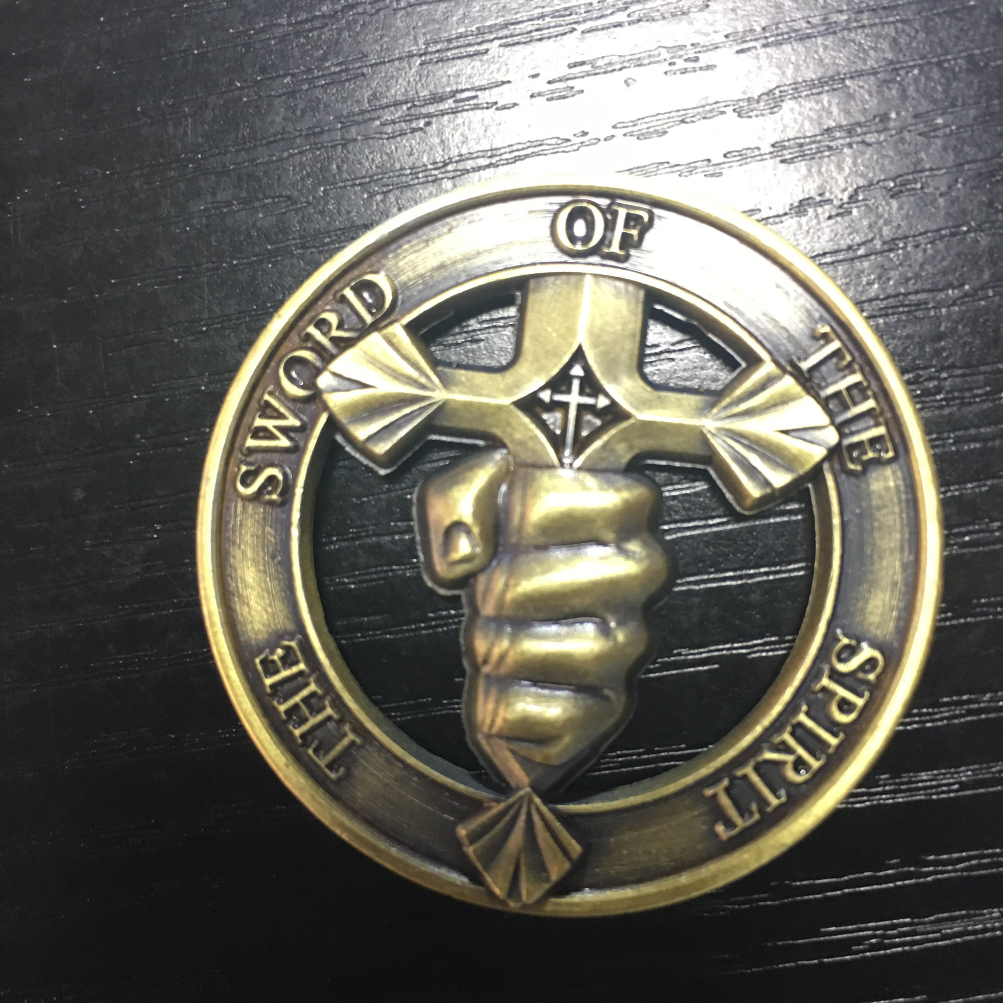 Who Trains My Hand For Wars bronze plated The Sword of The Spirit challenge coins
