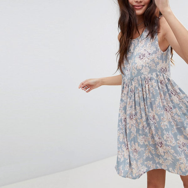 Brave Soul Faye Smock Dress in Vintage Floral Print - Cloud blue