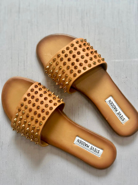 Farryn studded slides