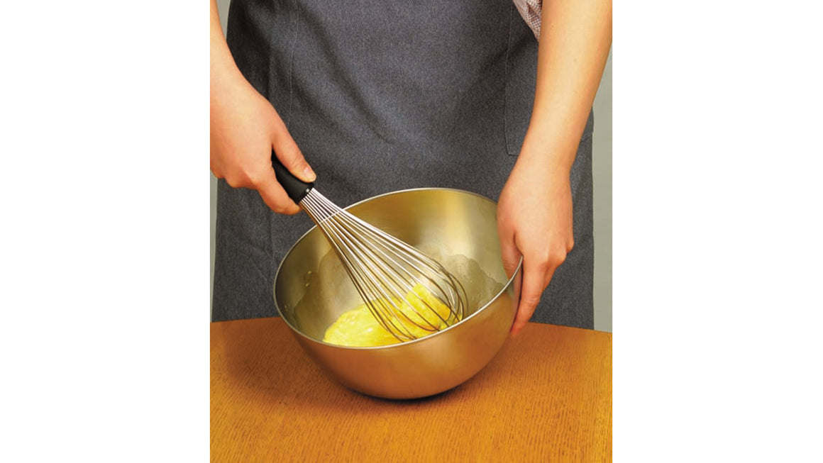 Sori Yanagi 18-8 Stainless Whisk - Lightweight rubber handle - Many wires with different length makes it easy to whisk - Rust-proof - Dishwasher safe - Won a Good Design Award in 2001