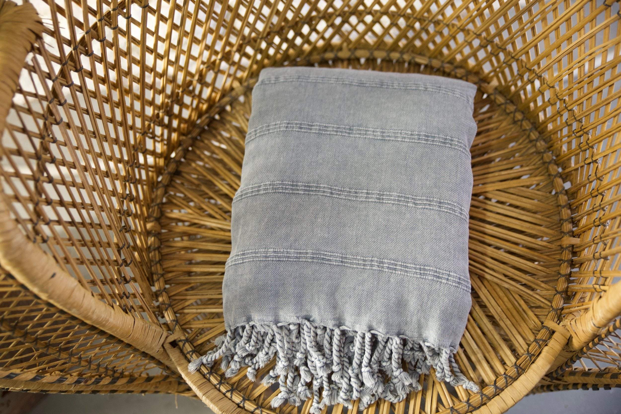 rustic-pestemal-throw-in-greylarge-70x87