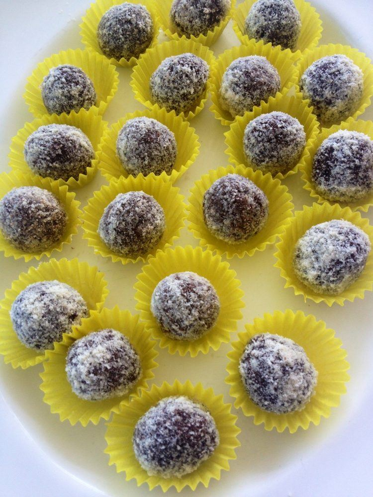 CHOCtastically Healthy Raw Chocolate Truffles Recipe
