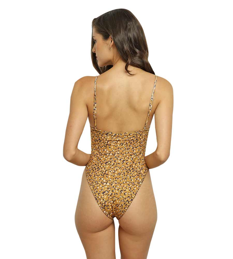 KENIA ONE PIECE BY CAPITTANA