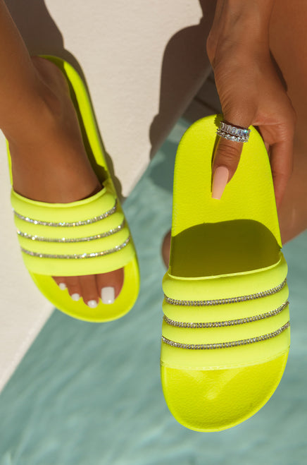 Pool-Side Love - Neon Yellow