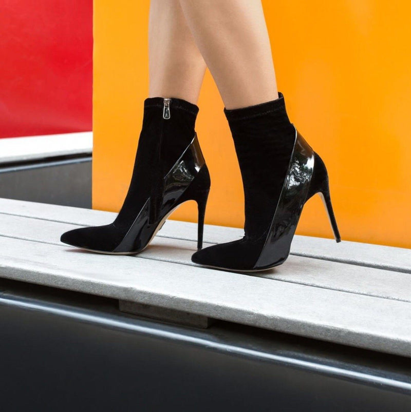 Kora: Suede & Leather Pumps Black