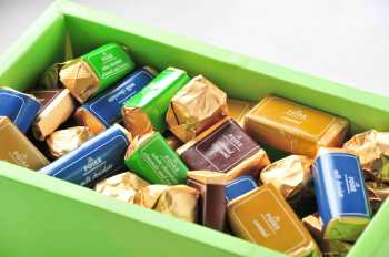 La Poire Mixed Chocolate Box