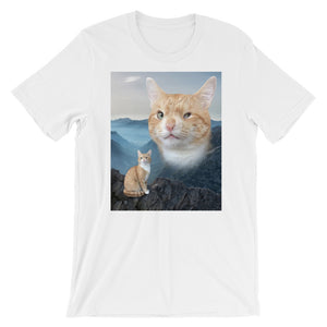 Hogan the Winky Kitty Unisex T-Shirt