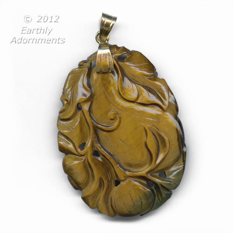 Vintage superb finely carved tiger eye agate gourd. b4-tig331