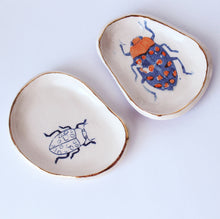 Load image into Gallery viewer, Blue & Orange Bug Dish