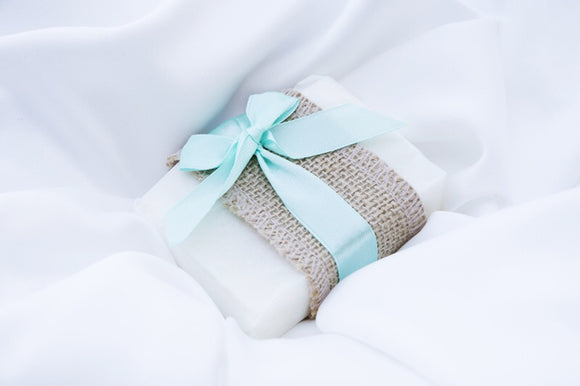 Refreshing handmade peppermint soap wedding favours to wow your guests