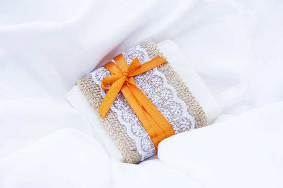Gloriously rich handmade honey soap wedding favours to wow your guests