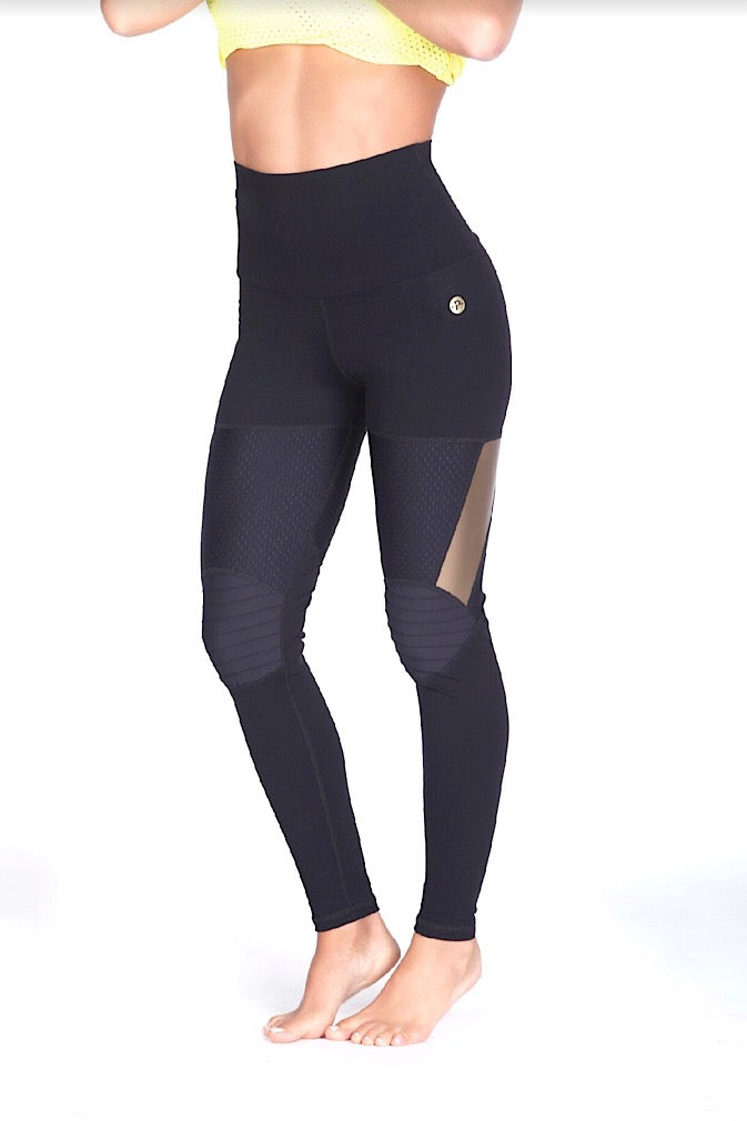 Protokolo High-waist Black/Gold Leggings, squat proof leggings, supplex, hotpants, athletic wear, athletic apparel, fitness wear, fitness apparel, fitwear, athleisure, activewear for women, yoga pants