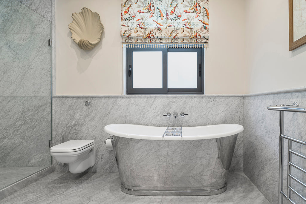 bianco carrara c marble reflection in bathtub