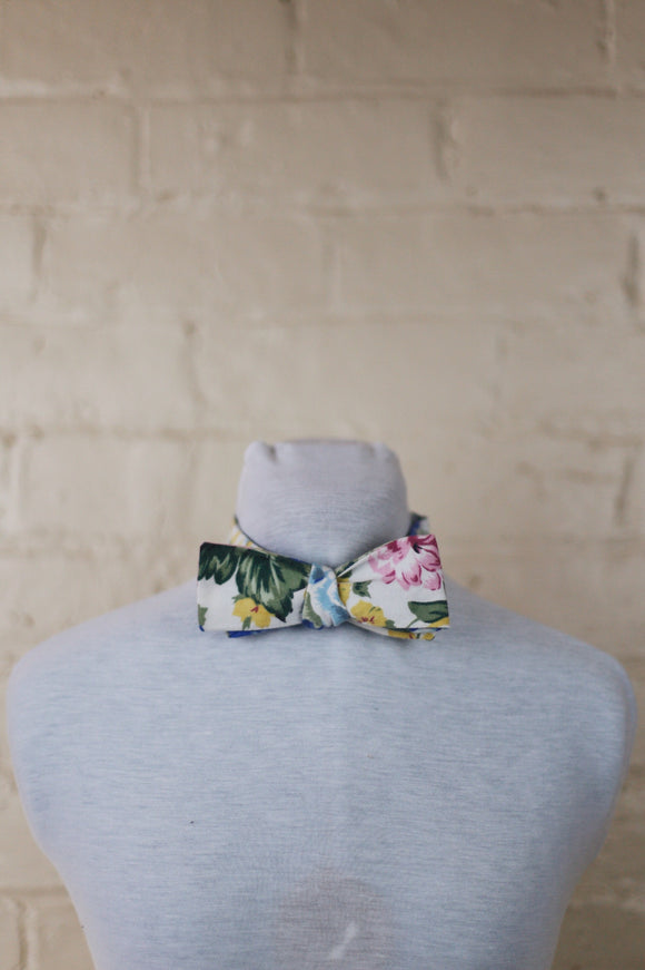 Bow Tie - Mixed Roses