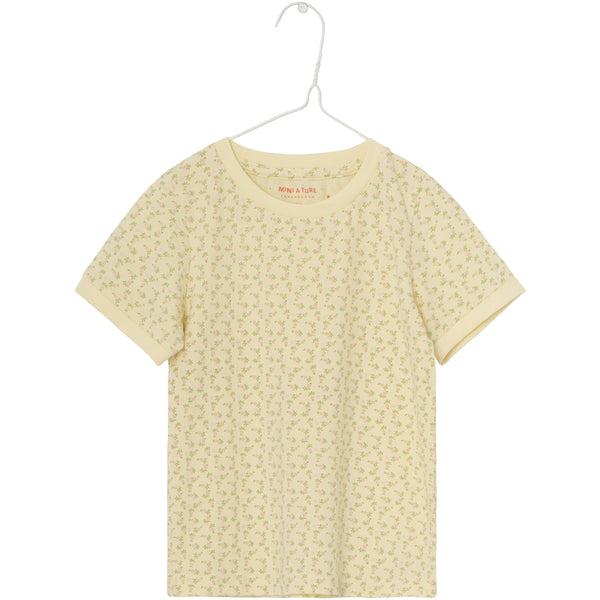 Jeanica T-shirt - Yellow Anise Flower