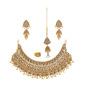 Phenomenal bridal set with skillfully crafted intricate designs made in 22k gold