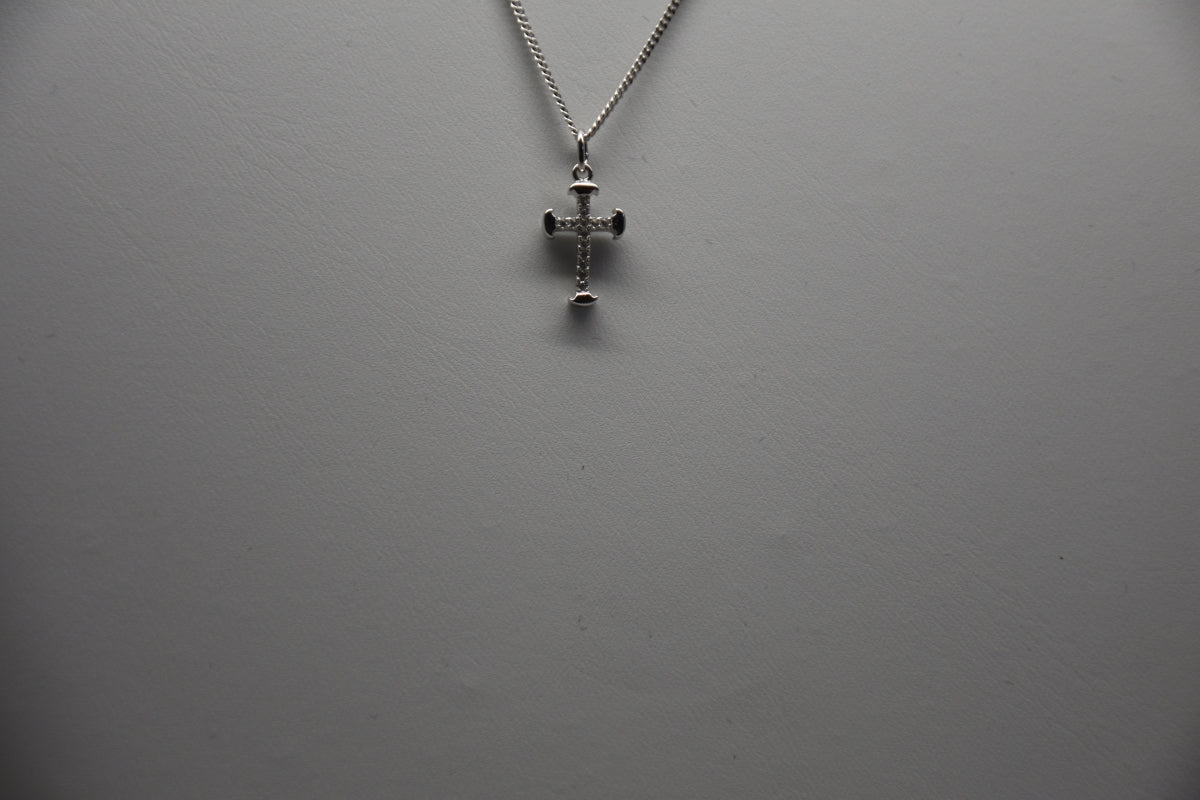 Sterling Silver Cross Pendant & Chain StgP120/16/10/2018