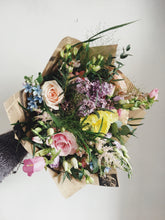 Hand-tied bouquet workshop