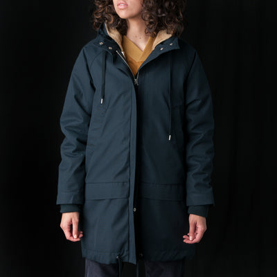 A Kind Of Guise - Dunai Parka in Navy