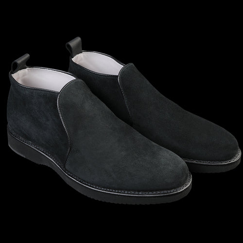 Severn Slip-on Chukka in Black Suede D8707