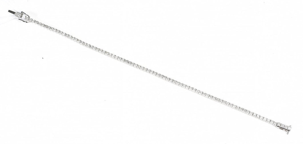 A DIAMOND LINE BRACELET IN 18CT WHITE GOLD