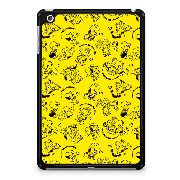 Snoopy Beagle Hug Yellow iPad Mini 4 Case